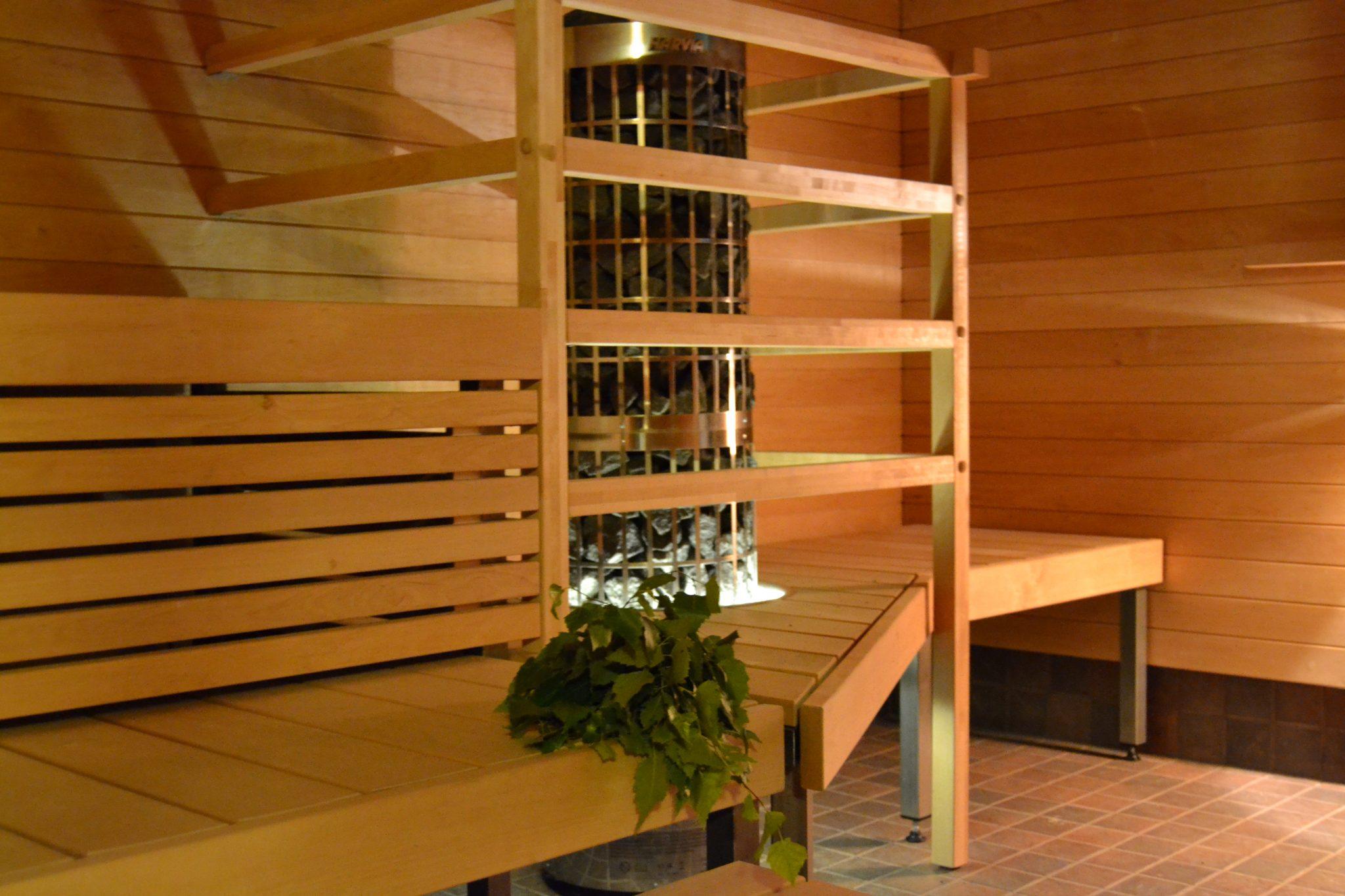 Viitakodin uusittu sauna