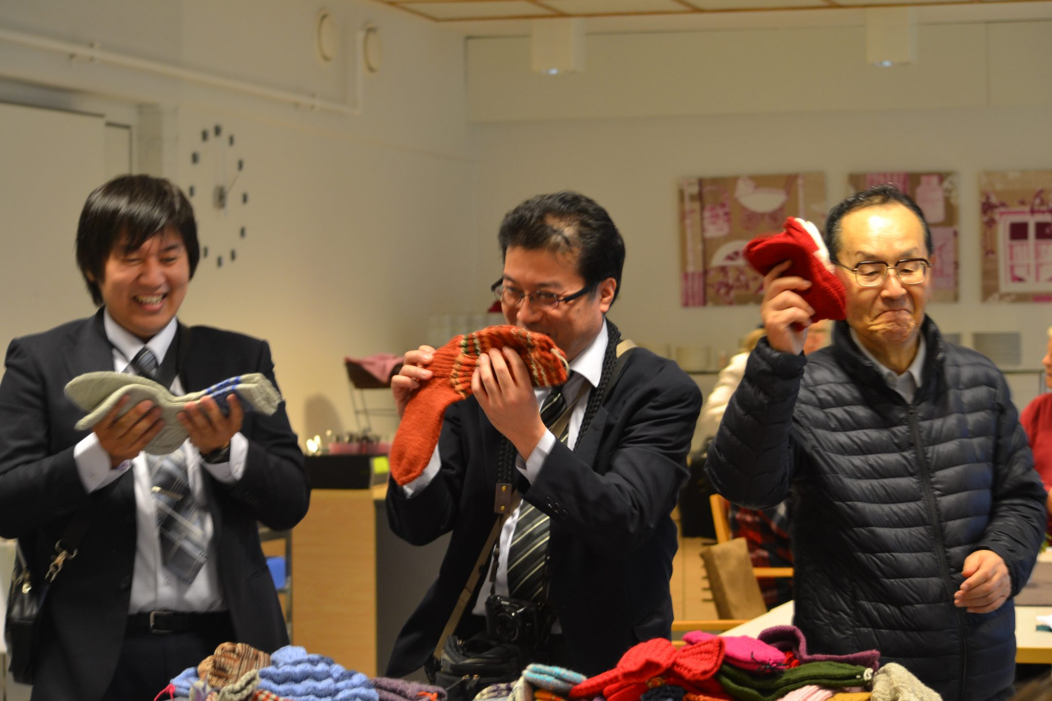 Suomalaisia villasukkia Japaniin