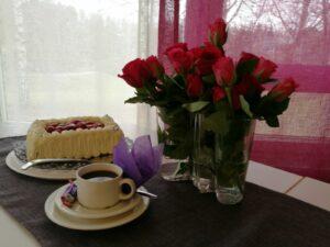 Draamaryhmä Toivo: Äitienpäivän ja kevään runoja laulujen kera @ Viitakoti; hyvinvointikeskus | Jyväskylä | Suomi