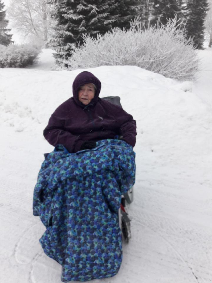 Myös pyörätuolillaa pääsee talven keskelle