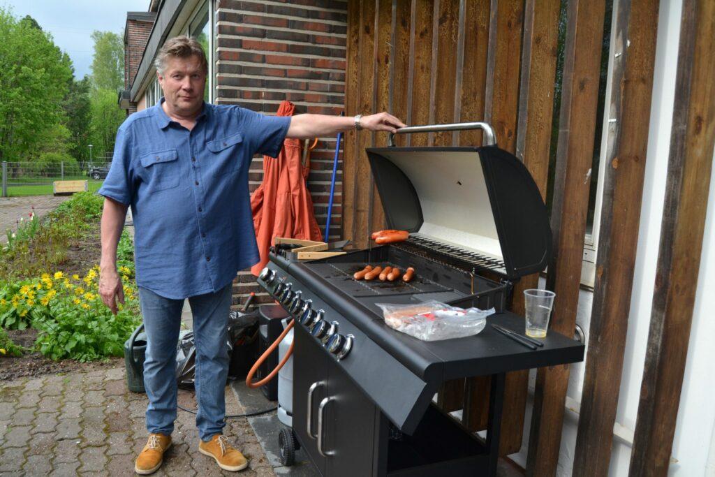 Jyväskylän Työväenyhdistyksen lahjarahalla uusi grilli Viitakotiin